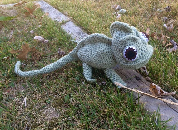 Pascal The Chameleon PDF Pattern | Crochet disney, Cute crochet ... | 416x570
