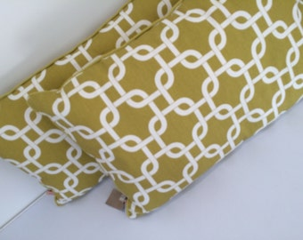 Chartreuse and white large chain link design oblong cushion pillow cover