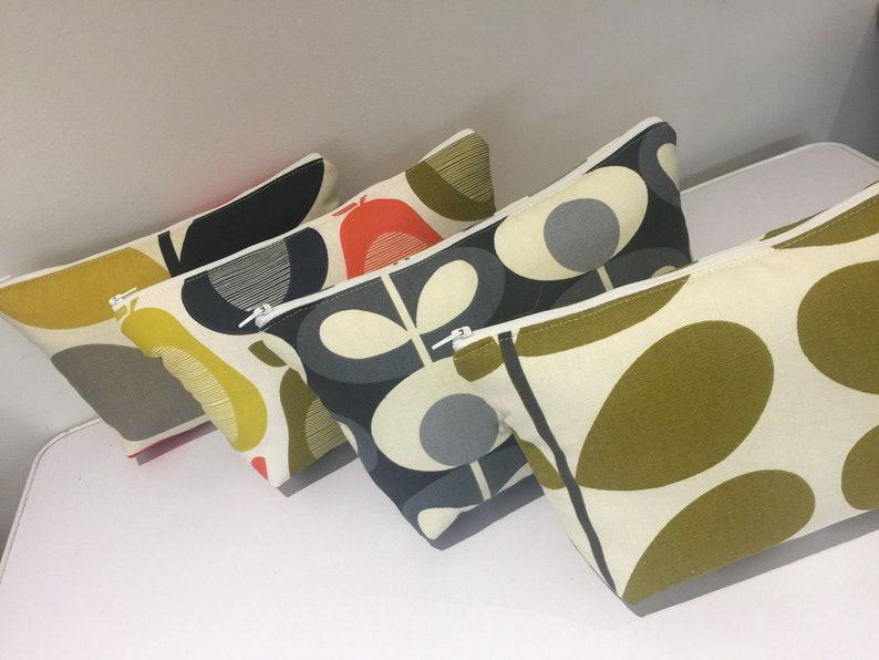 Make up purse in Retro design fabric image 0