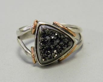 Druzy Ring Triangular Titanium-coated Druzy Set in Sterling Silver and Copper Handmade
