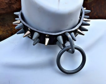 Gray/Silver Large Ring Spiked Collar