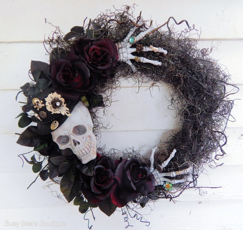 Halloween Wreath Skeleton In My Closet Gothic image 0