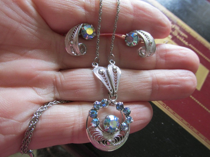 Glamorous STERLING SORRENTO SET 16 Necklace with 12 x 14 Screw Back Earrings Auro Borealis Stones Circa 1950/'s Wonderful Condition