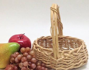 "adorable small wicker basket flower girl basket with handle, baby shower gift small garden basket 7"" x 5.5"", 2"" deep, 6.75"" tall yesteryears"