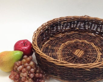 "large 13"" round wicker tray basket; fruit bread basket, rustic serving basket, farmhouse cottage kitchen 13"" wide 3.5"" deep, yesteryears"
