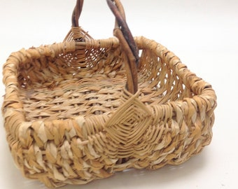 "super sweet square basket, braided wicker, God's eye handle joints, garden planter flower basket 9"" opening 2.5"" deep 7.5"" tall yesteryears"