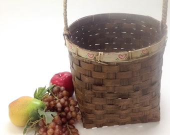 "deep wicker basket with handle, storage rustic folk primitive cottage chic; 10"" opening, 9"" deep, with handle 16.5"" tall, yesteryears"
