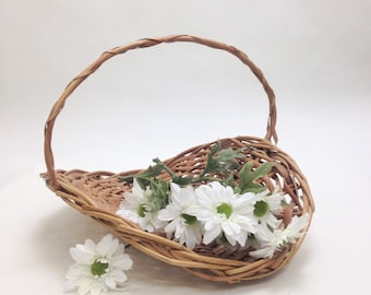 "large flower basket wicker with handle garden cottage country wedding decor farmhouse display basket 14.5"" x 12"" wide, 9.5"" tall yesteryears"