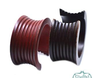 Red/Brown - Vintage Wooden Bangle Bracelet - Mango Wood