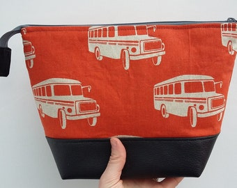 Retro American School Bus Man's Large Wash Bag