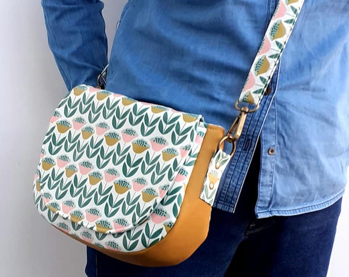 Featured listing image: Tulips wipe clean saddle bag