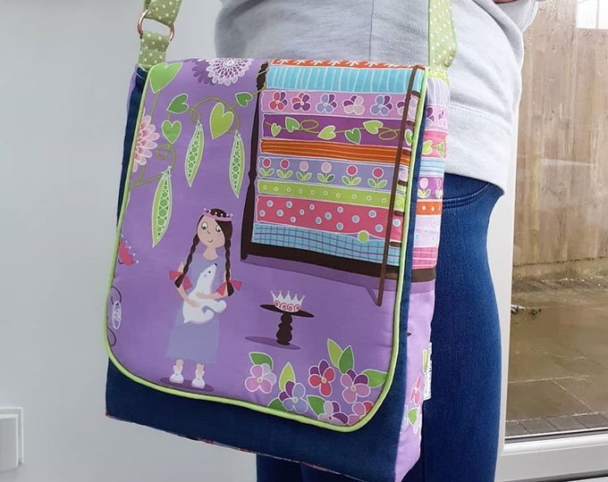 Featured listing image: Princess and the Pea large messenger bag A - Princess Kate