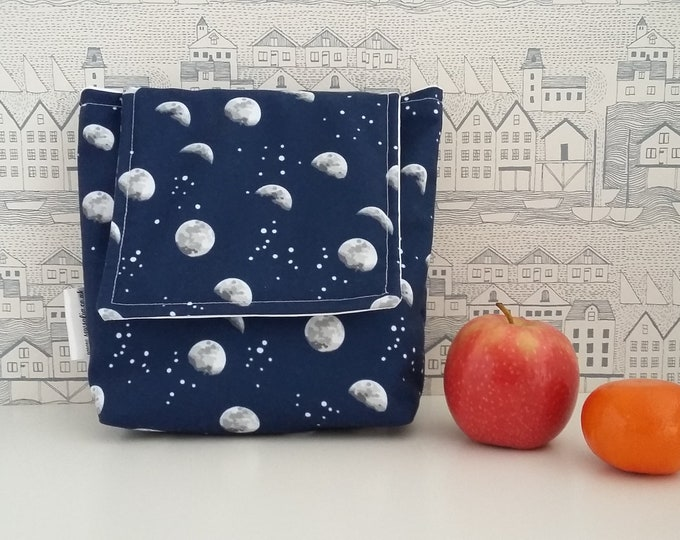 Moons and Stars wipe clean, insulated small lunch bag