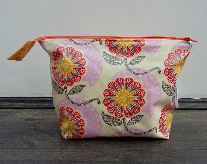 Field Study Flowers Wipe Clean Wash Bag