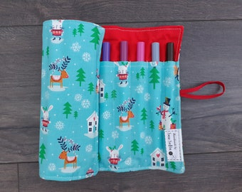 Festive Friends Pen Roll