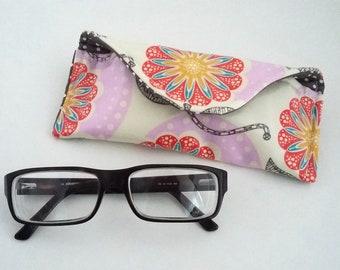 Field study wipe clean glasses case