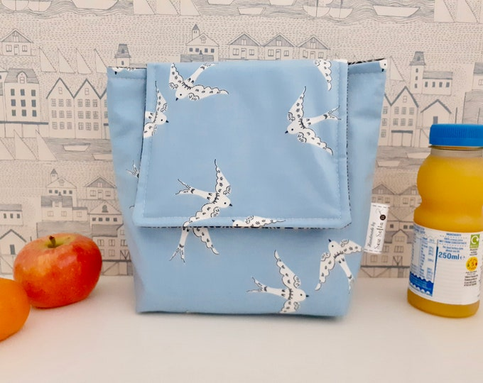 Love Birds wipe clean, insulated small lunch bag