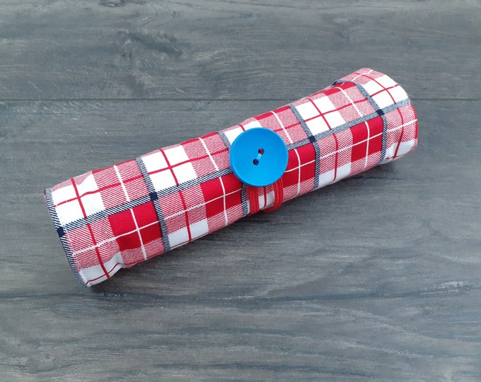 Red Tartan Pen Roll