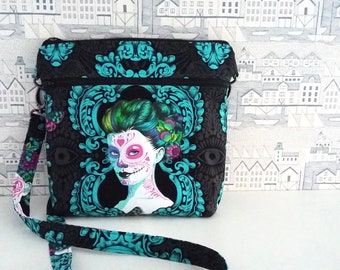 De la Luna Cross Body Bag