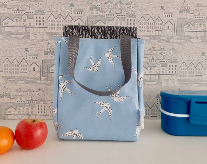 Love birds wipe clean insulated lunch bag