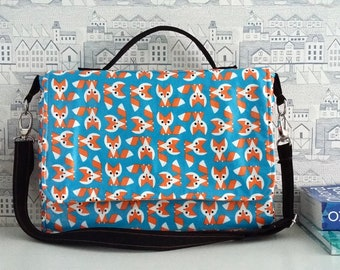 Foxes wipe clean satchel