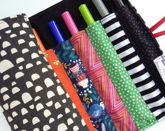 Wonderland Rainbow Pen Roll