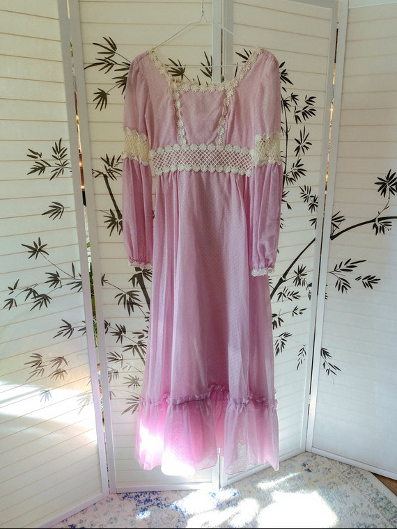 VINTAGE pink prairie dress