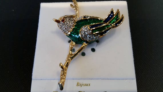 NEW Lead and Nickel free La Scala Triple 22kt gold plated Floral brooch with handset Sapphire /& clear crystals Vintage