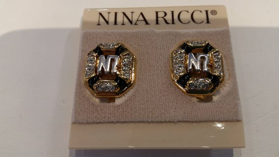 New Triple 22kt gold plated Vintage Designer Nina Ricci Clip earring made for the BIRKS store