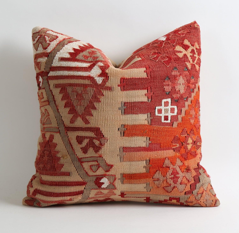 Kilim Rug Pillow Cover // Vintage Throw Pillow // Boho