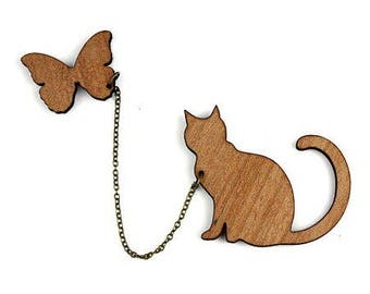 "Kit brooch ""Cat and Butterfly"" natural wood"