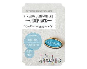 Mini oval Horizontal wood 3.4x6.2cm - Dandelyne embroidery hoop