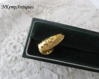 Cicada brooch /pin