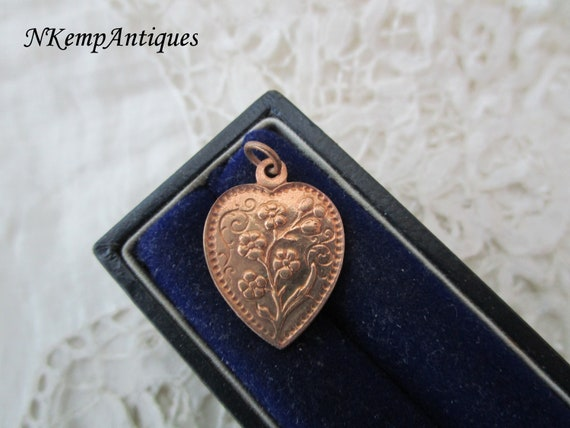 1930's heart pendant/charm