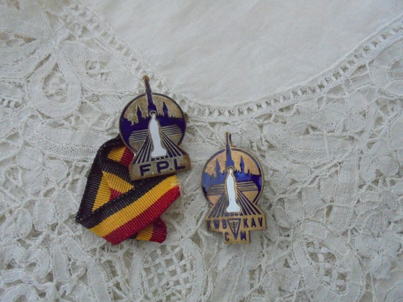 Vintage religious brooch x 2