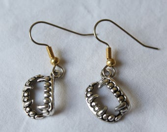 "Short dangle earrings. ""Fangs"" vampire fangs"