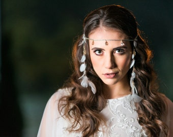 Boho wedding, boho bridal headpiece, hippie style bridal head band, ecru bridal band with feathers, feather bridal hair band,