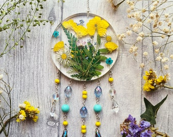Resin Floral Yellow Buttercup Fairy Sun Catcher - Boho Daisy - Real Garden Flower - Round Circle Window Wall Hanging - Nursery Ornament Gift