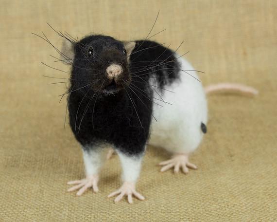 Available for custom order. Rat.Needle felt realistic animal