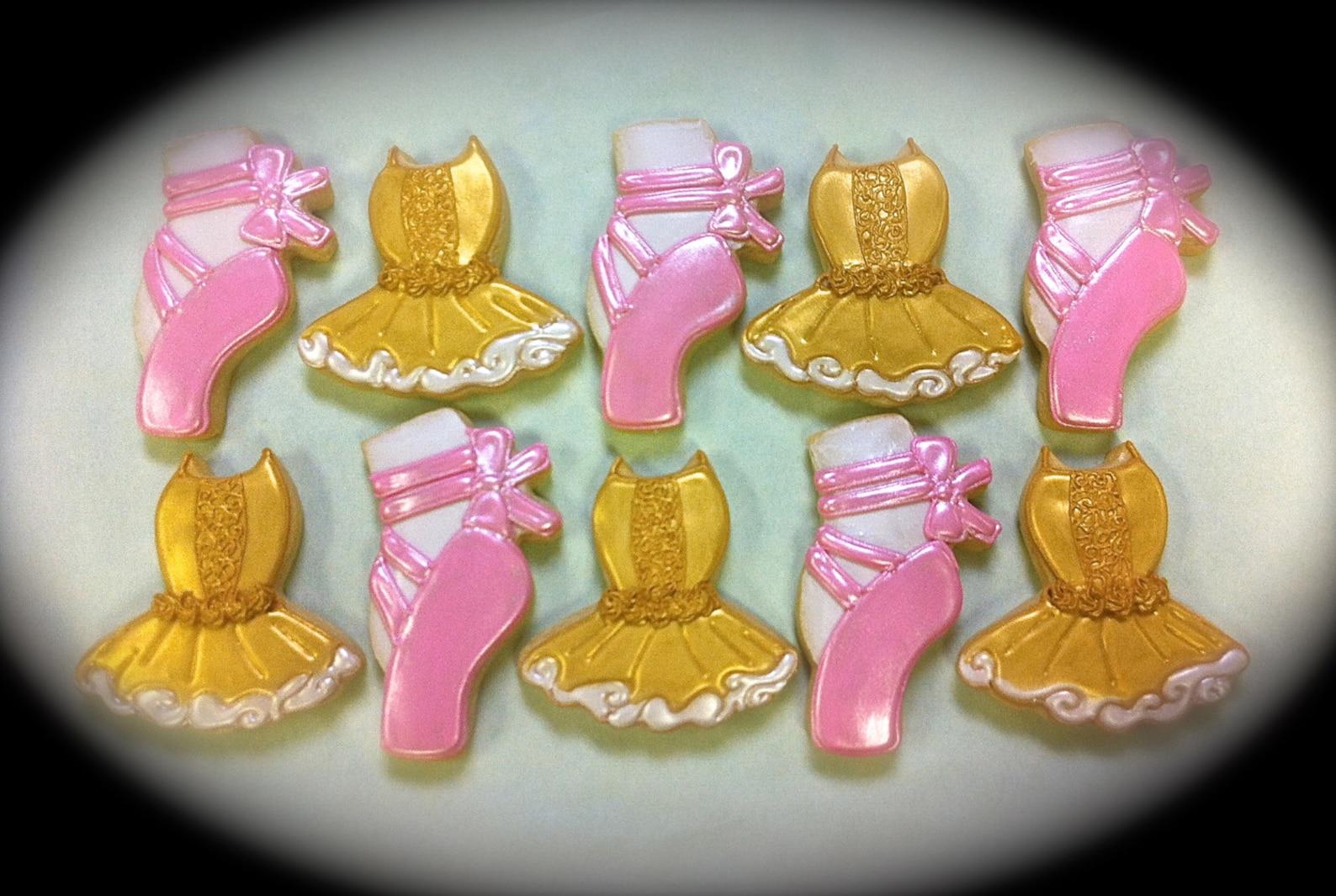 ballet theme cookies, ballet cookie favors, toe shoe cookies, tutu's ballet theme sugar cookies, ballet recital cookies, bal
