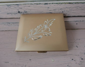 Vintage 1950's Gold Etched Powder Compact