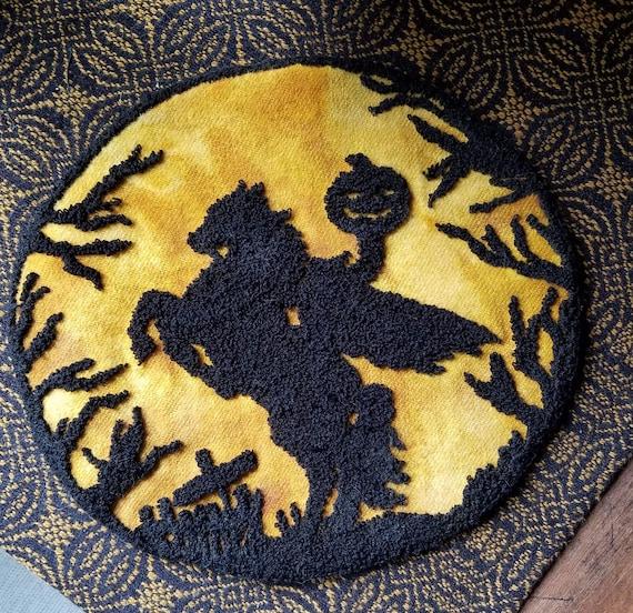 I left my head in Sleepy Hollow Rug hooking pattern.
