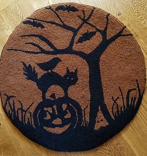 """PRIMITIVE HOOKED RUG PATTERN ON LINEN /""""ALL HALLOWS EVE/"""""""