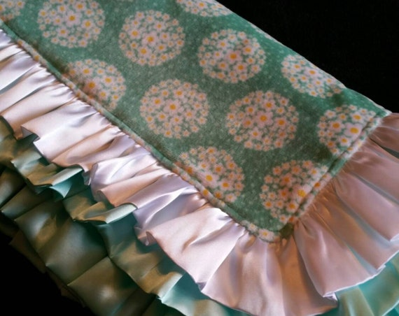 Double Ruffle Mint Green with White & Yellow Daisies and White Rosebud Minky Blanket