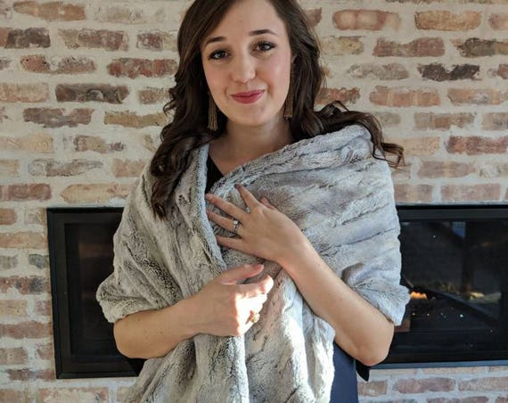 Silver Gray Faux Wolf Fur Wraps, Shawls, Stoles for Wedding, Bridesmaids, Bride, Formal, Quinceanera, Winter Formal, Prom, Vegan Fur