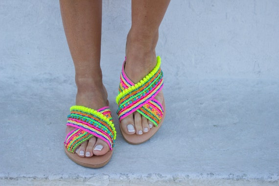 RiRiPoM On Pom Sandals Festival Sandals Neon Sandals Boho Chic Slip ''Trinidad'' Sandals Boho Sandals Pom Sandals Sandals Gypsy B8SrBZ1wnq