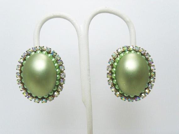Vintage CORO Pearl Earrings / Light Green Faux Pe… - image 3