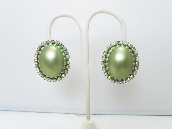 Vintage CORO Pearl Earrings / Light Green Faux Pe… - image 4