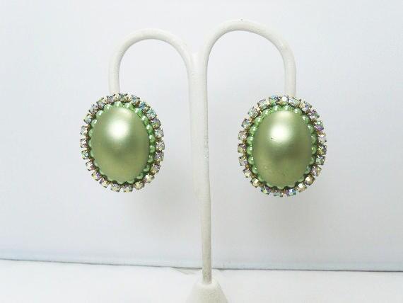 Vintage CORO Pearl Earrings / Light Green Faux Pe… - image 2