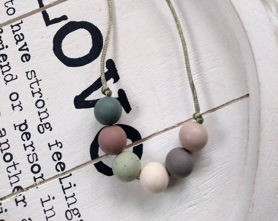 Nursing Teething Necklace - Silicone Beads - Teether Chewing Beads- Silicone Necklace